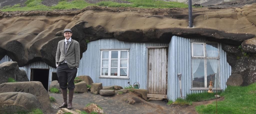 Laugarvatn Cave People in IJsland